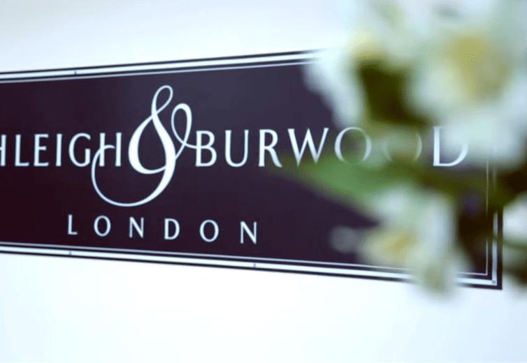 ロンドン南部郊外にある「Ashleigh & Burwood」のロゴ画像